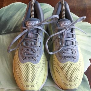 ASICS YELLOW & GREY SNEAKERS WOMENS SIZE 8.5